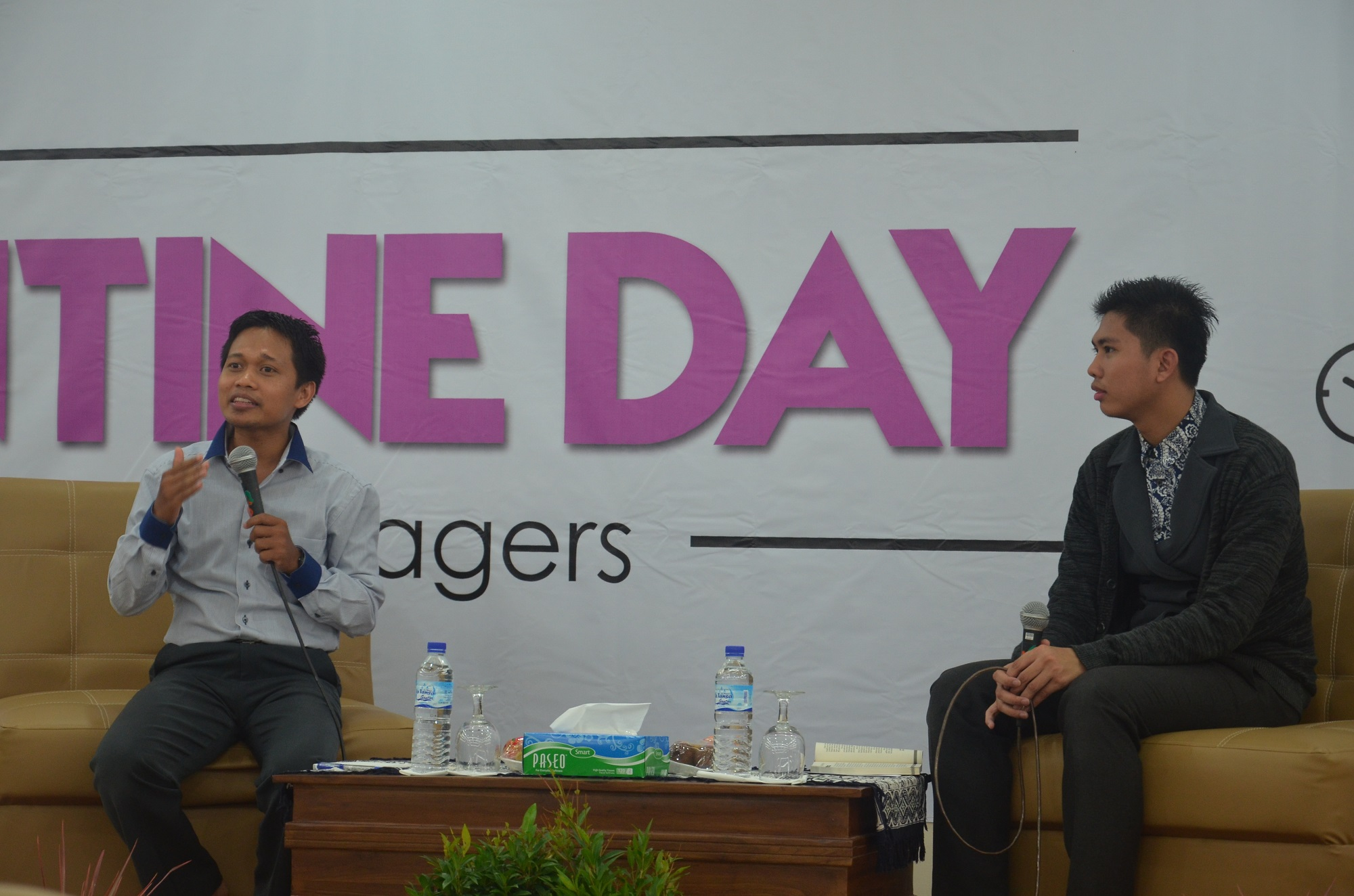DEMA UNIDA Gontor Adakan Seminar No Valentine's Day for Muslims Teenagers