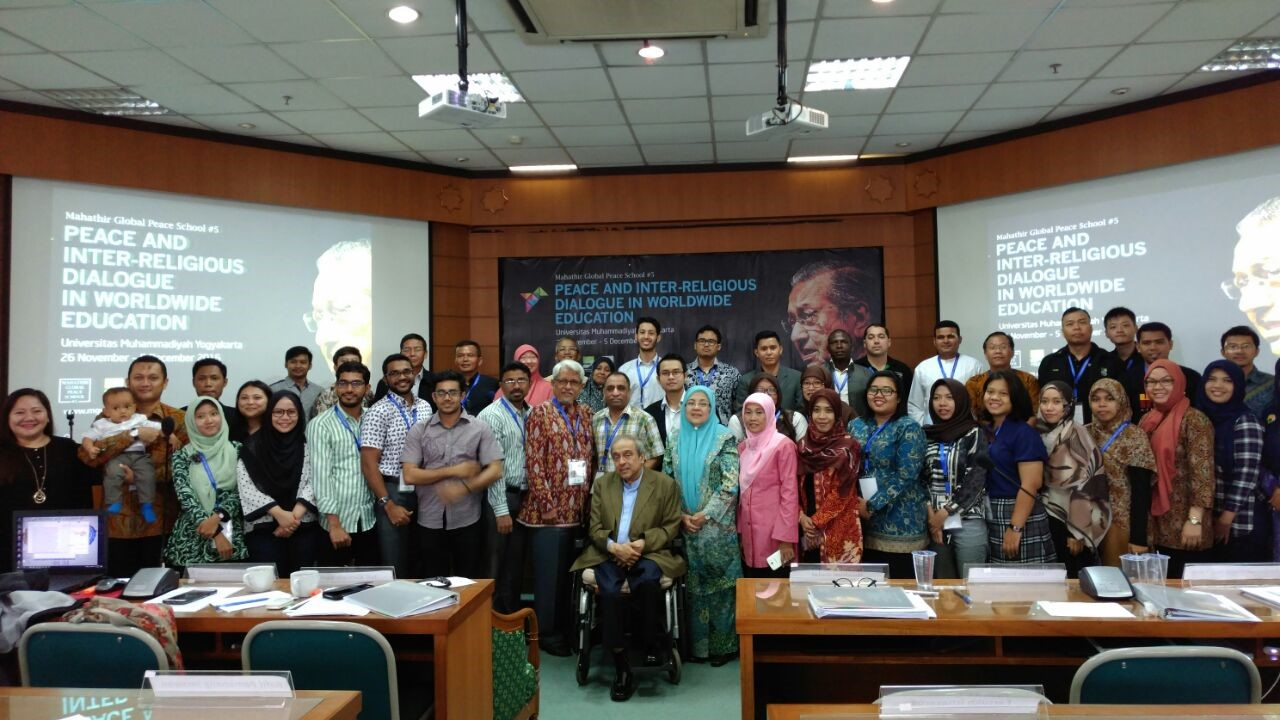 Lecturers of the International Relations Department Mahathir Global Peace Studies (MGPS) 5 UMY